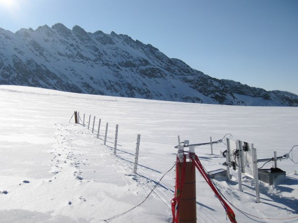 EPFL's dts fence in the alps
